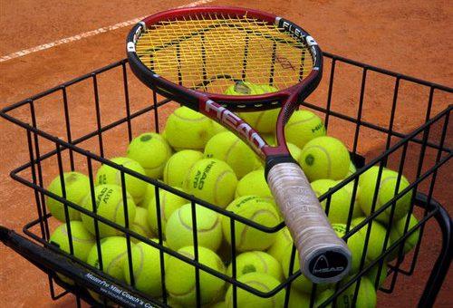 Neuer Tennistrainer